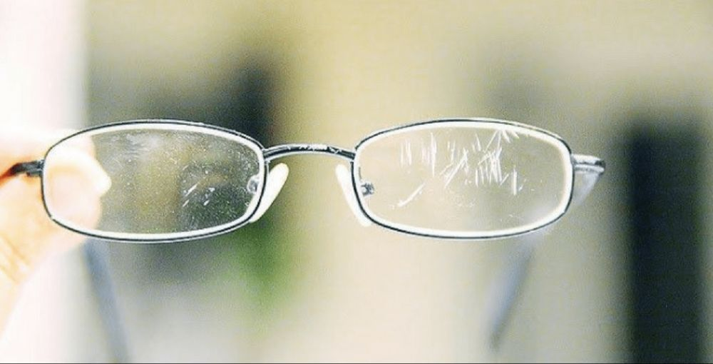 how to remove scratches from plastic safety glasses