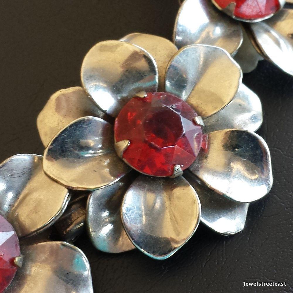 Vintage Bracelet Flower Daisy Ruby Red Rhinestone Cluster Silver Tone Nice! 426