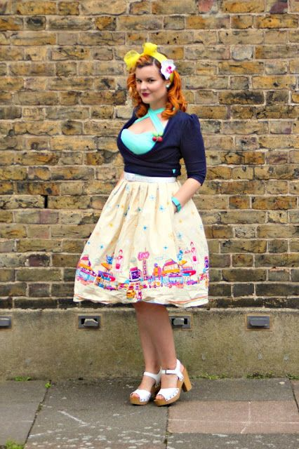 Fashion: Pin Up Picnic in the Park/Bar