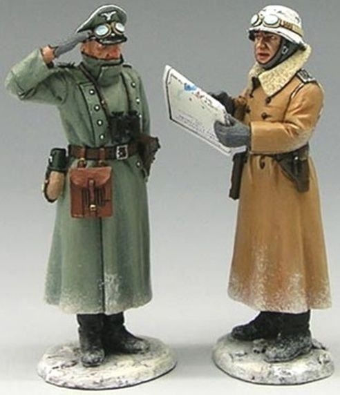 World War II German Winter BBG011 Command Group - Made by King and Country Military Miniatures and Models. Factory made, hand assembled, painted and boxed in a padded decorative box. Excellent gift for the enthusiast.