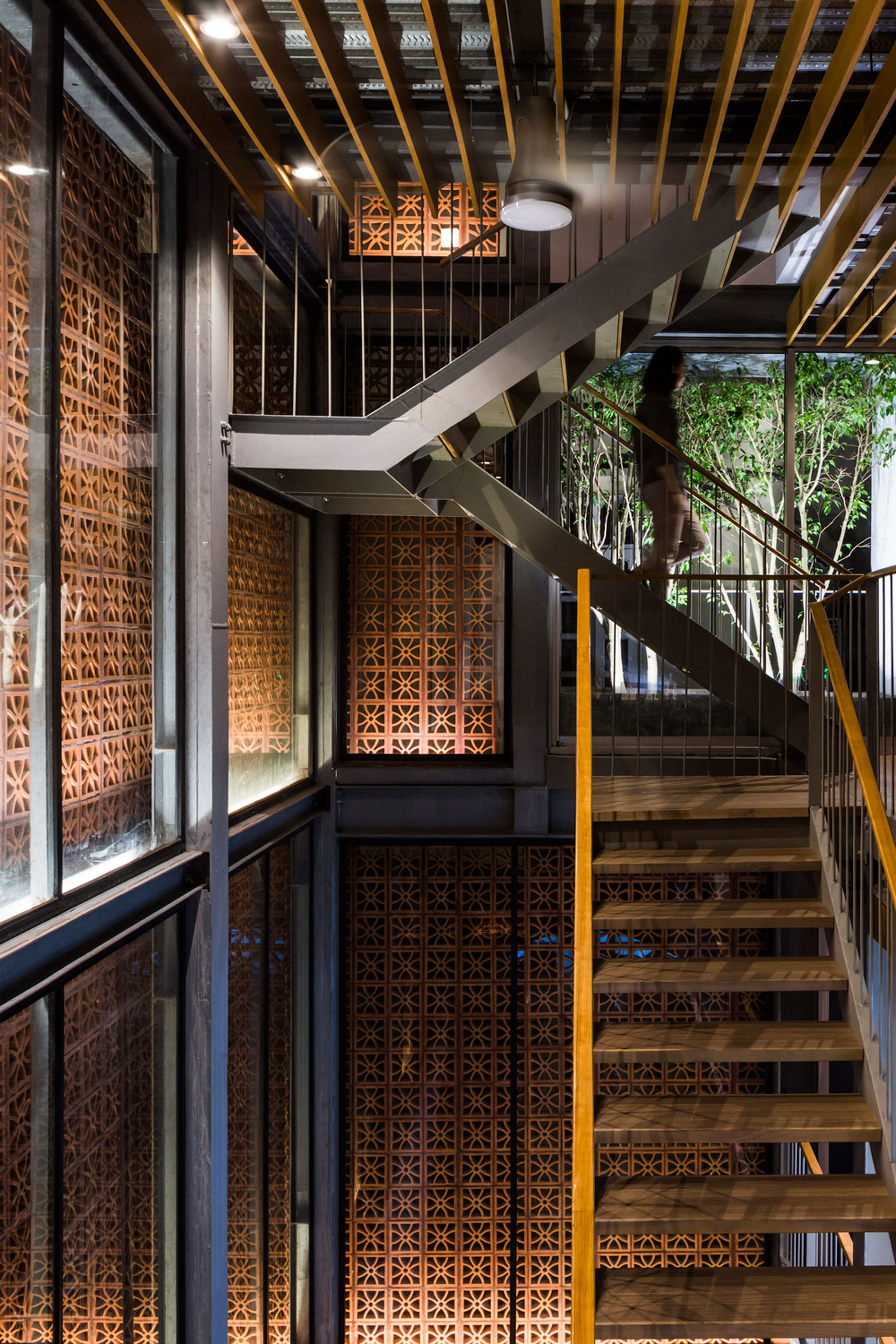 Vo Trong Nghia creates perforated brick gallery and showroom in ...