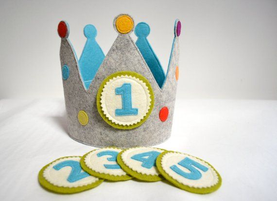 Birthday crown with 5 replaceable buttons, pure wool felt, grey/ocean