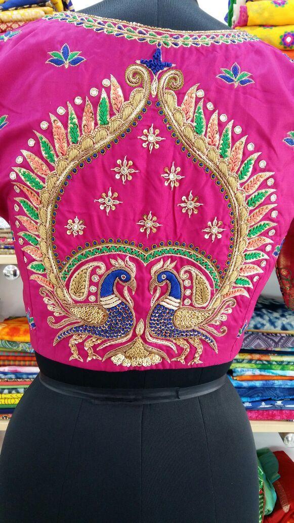 Pin de Raghav boutique fusion fashion en Raghav   Pinterest   Rojo