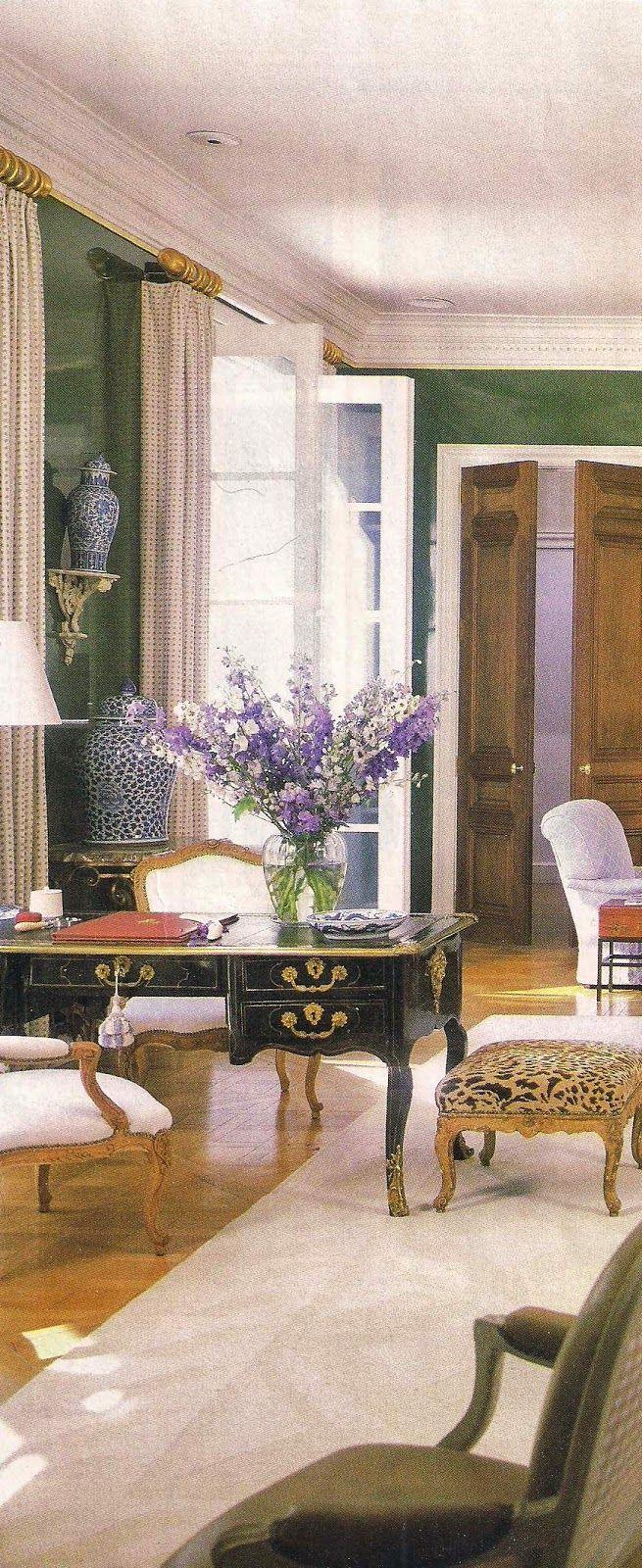 stunning east hampton living room design | A view of the East Hampton Living Room of designer Kevin ...