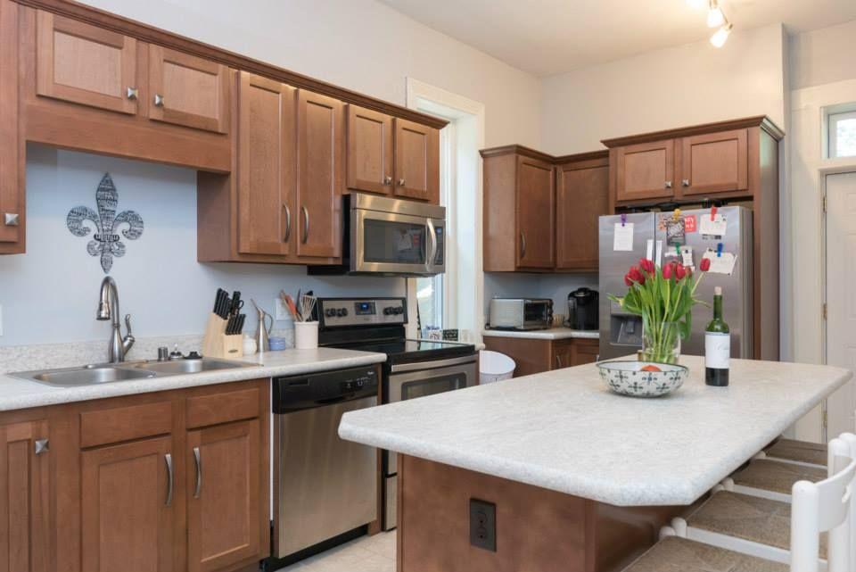 Best Kitchen Kompact S Glenwood Beech Cabinetry Flat Panel 640 x 480