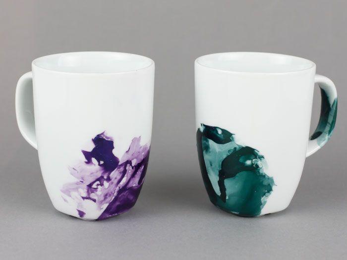 diy anleitung tassen marmorieren via tassen deins und dawanda. Black Bedroom Furniture Sets. Home Design Ideas
