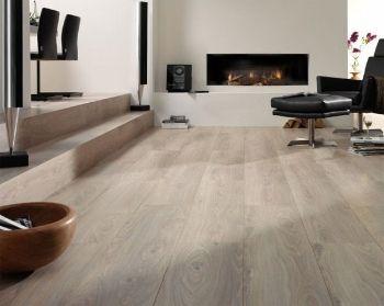 De vinyl vloer is goedkoop makkelijk schoon te houden en in