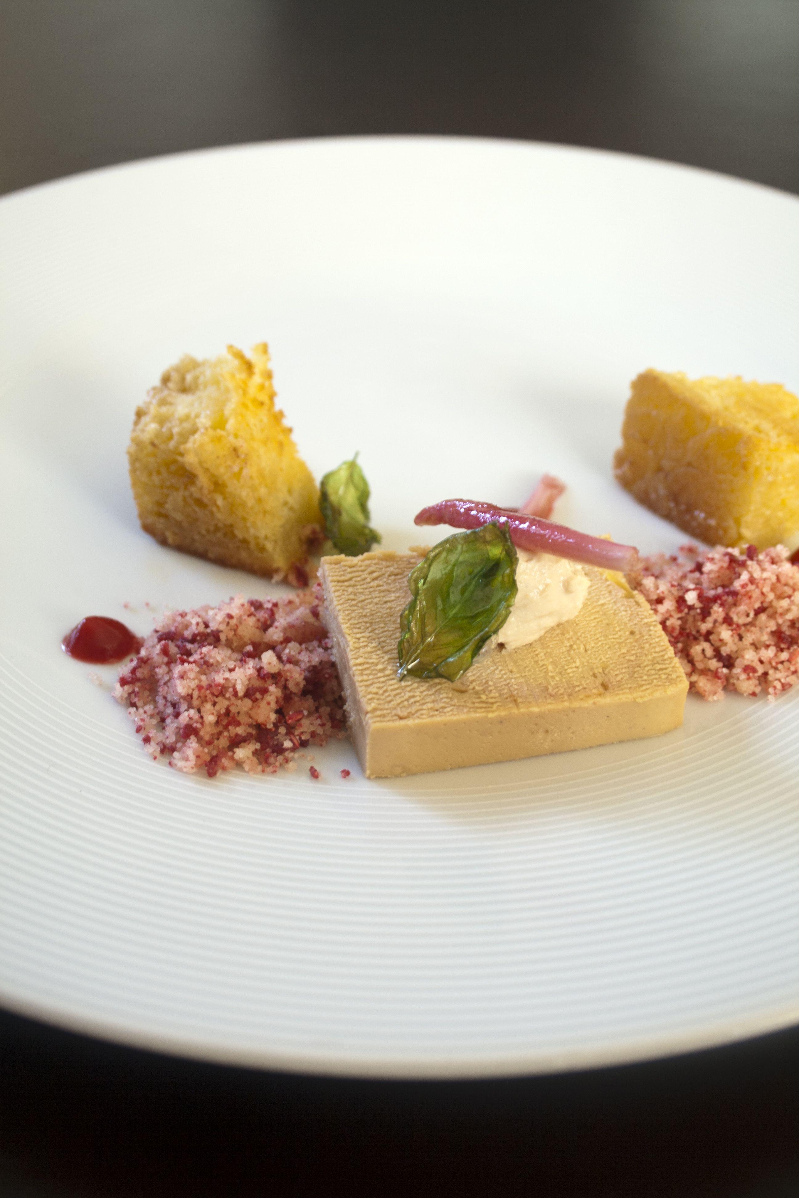 Foie gras, gel van kersen en frambozencrumble | Nom-nom ...