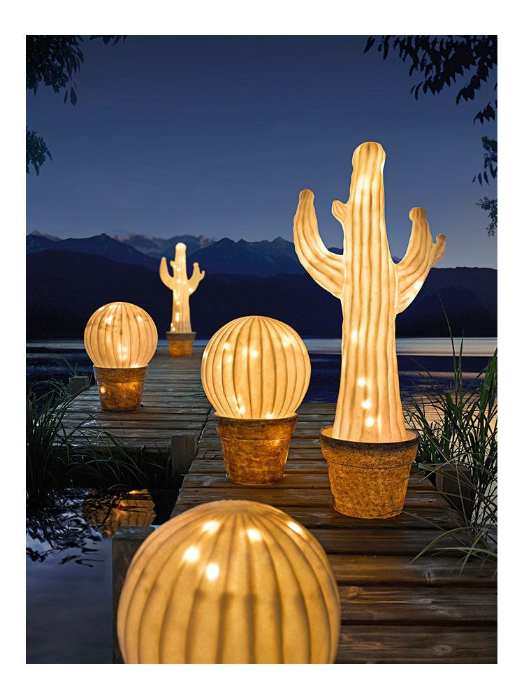 lampe led de jardin forme cactus originale helline. Black Bedroom Furniture Sets. Home Design Ideas