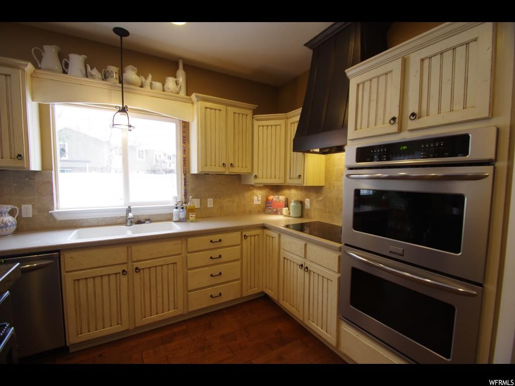 9501 S CARRIAGE CHASE LN Unit 112, Sandy UT 84092 (With