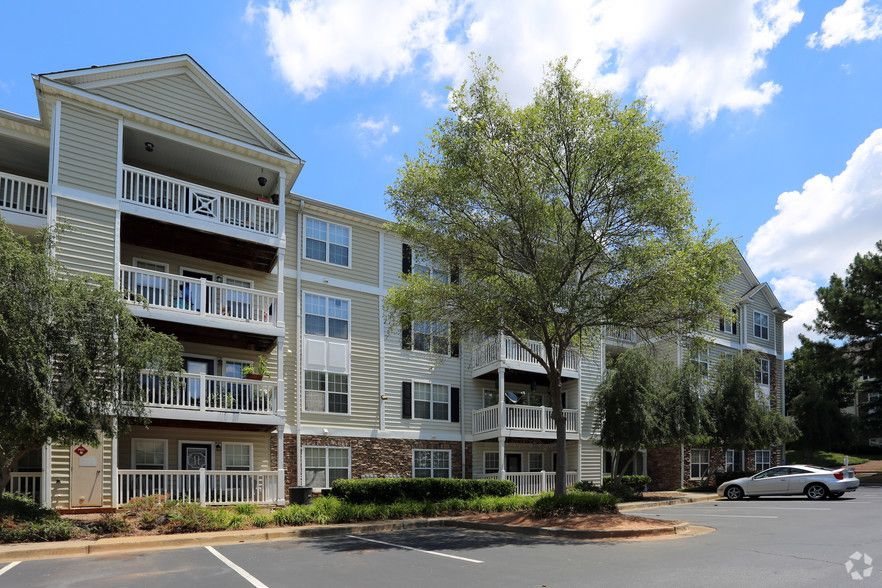 See All Available Apartments For Rent At Shiloh Green In Kennesaw Ga Shiloh Green Has Rental Units Rang 1 Bedroom Apartment Bedroom Apartment Green Apartment