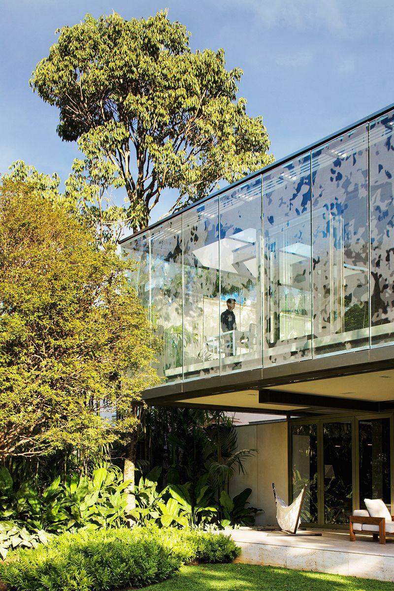 printed glass louvres / A.B House Andrade Morettin Arquitetos Associados / São Paulo