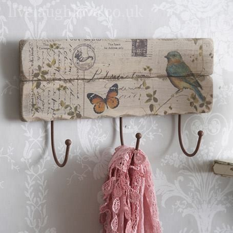 Un perchero con personalidad de campo - Percheros pared vintage ...