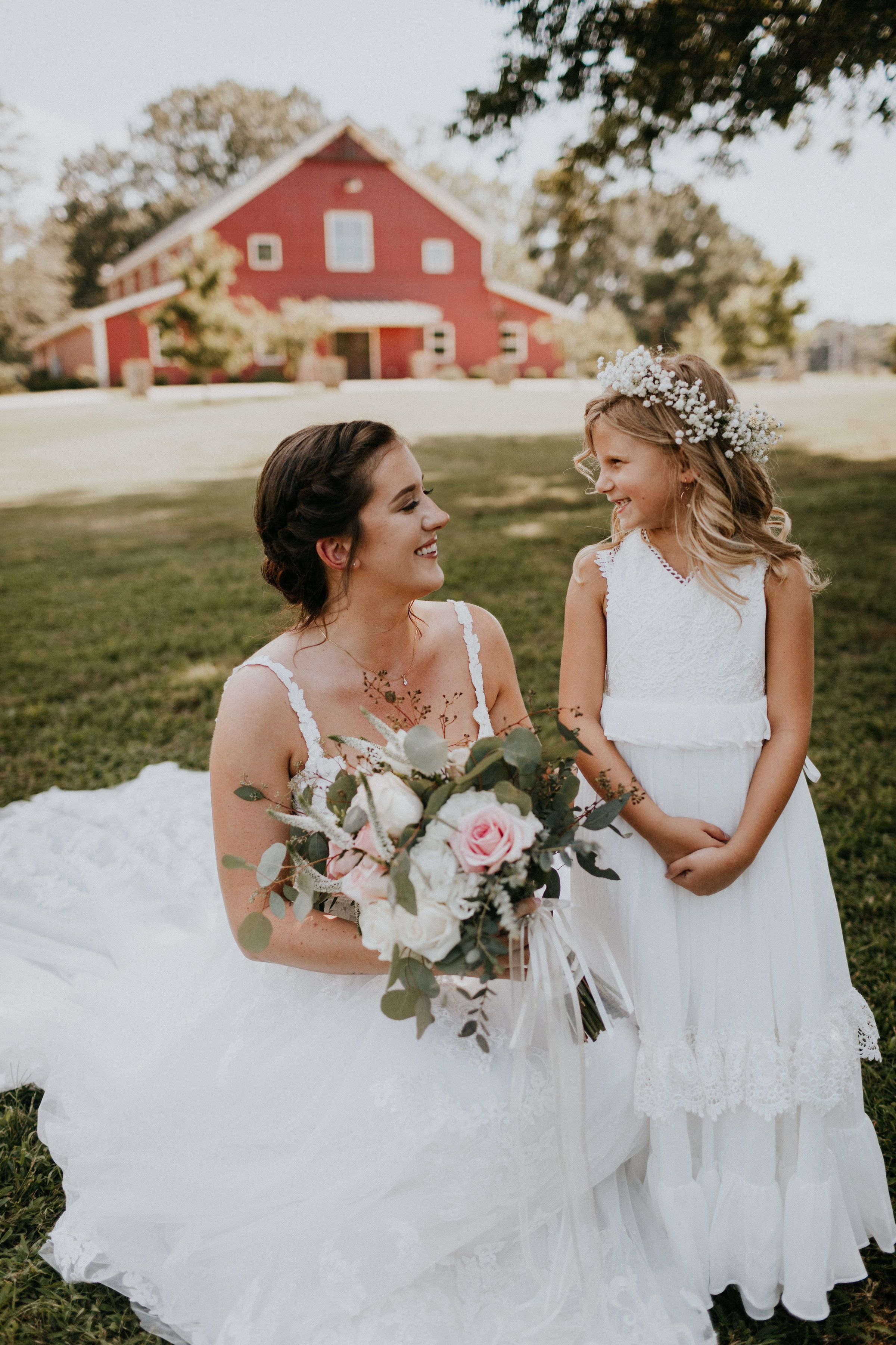 3984df4a5 Bride and flower girl photo | Pepper Sprout Barn | Wedding Suite | Flower  girl | Summer Wedding | floral crown | pc: Brooke Miller Photography
