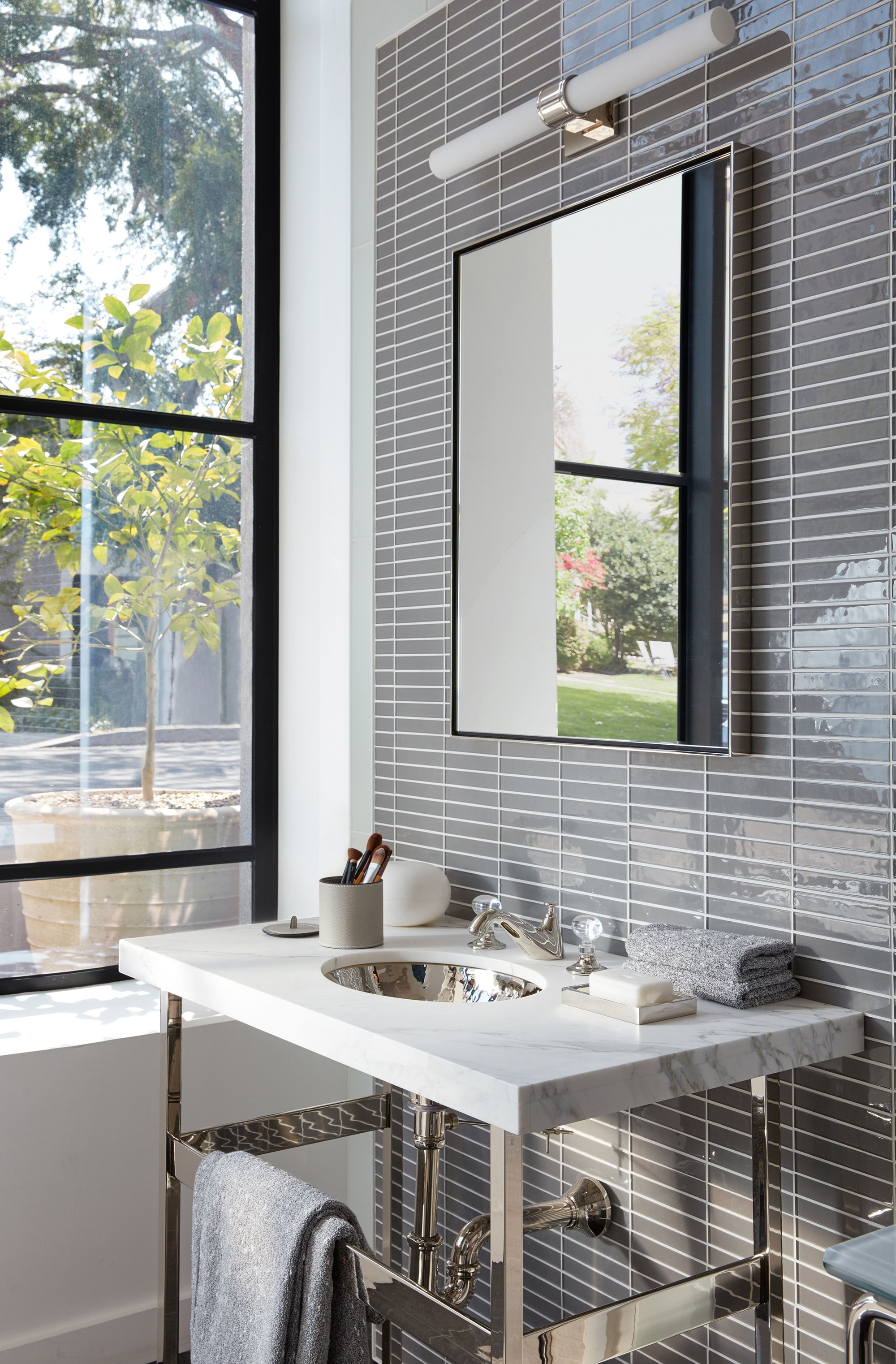 Opus Faucet Los Angeles Showroom Bath Dept Pinterest House Design Bathroom And Modern