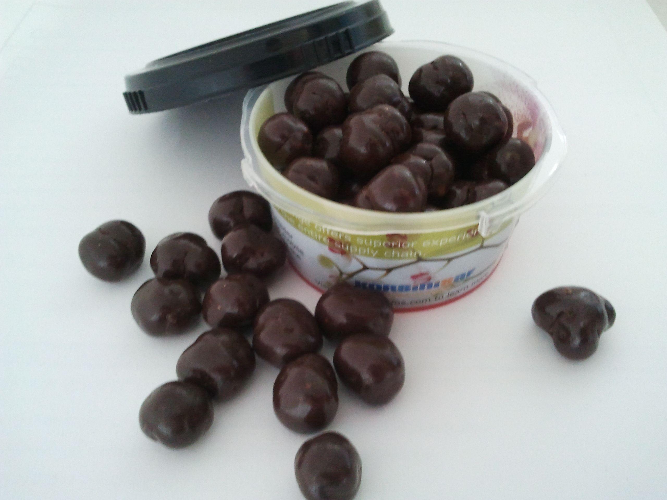 Bolitas de teff bañadas en delicioso chocolate negro