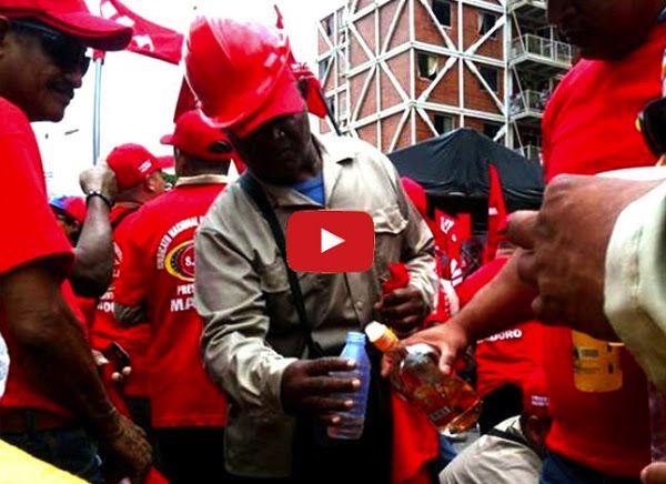 Alcalde chaburro reparte ron lanzando botellas por la ventana  http://www.facebook.com/pages/p/584631925064466