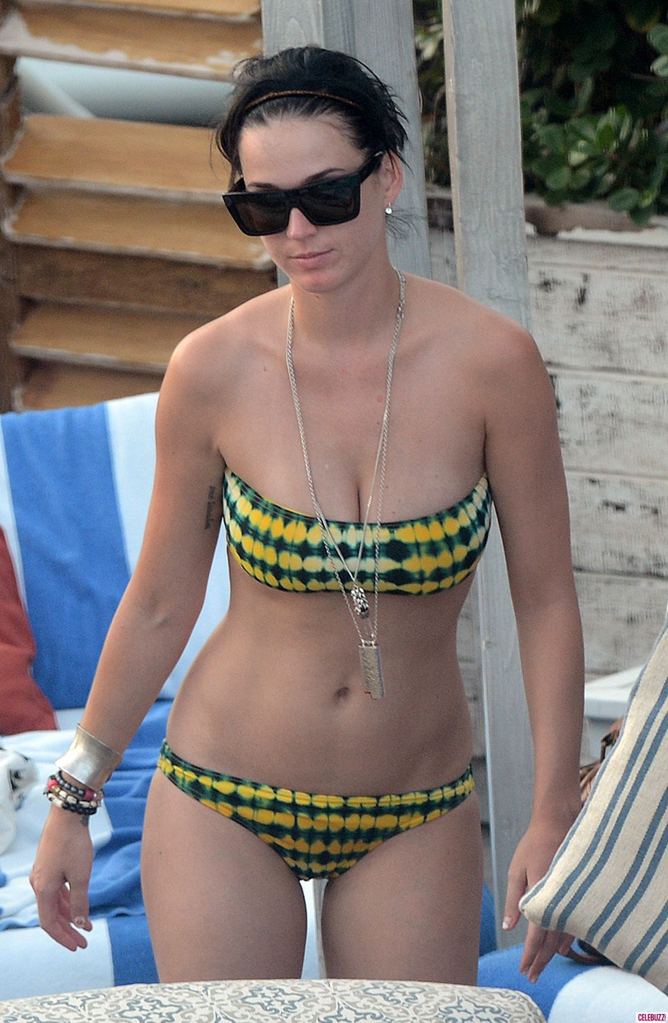Pin By Kingofkings413 On Female Celebrities 4 Katy Perry Bikini