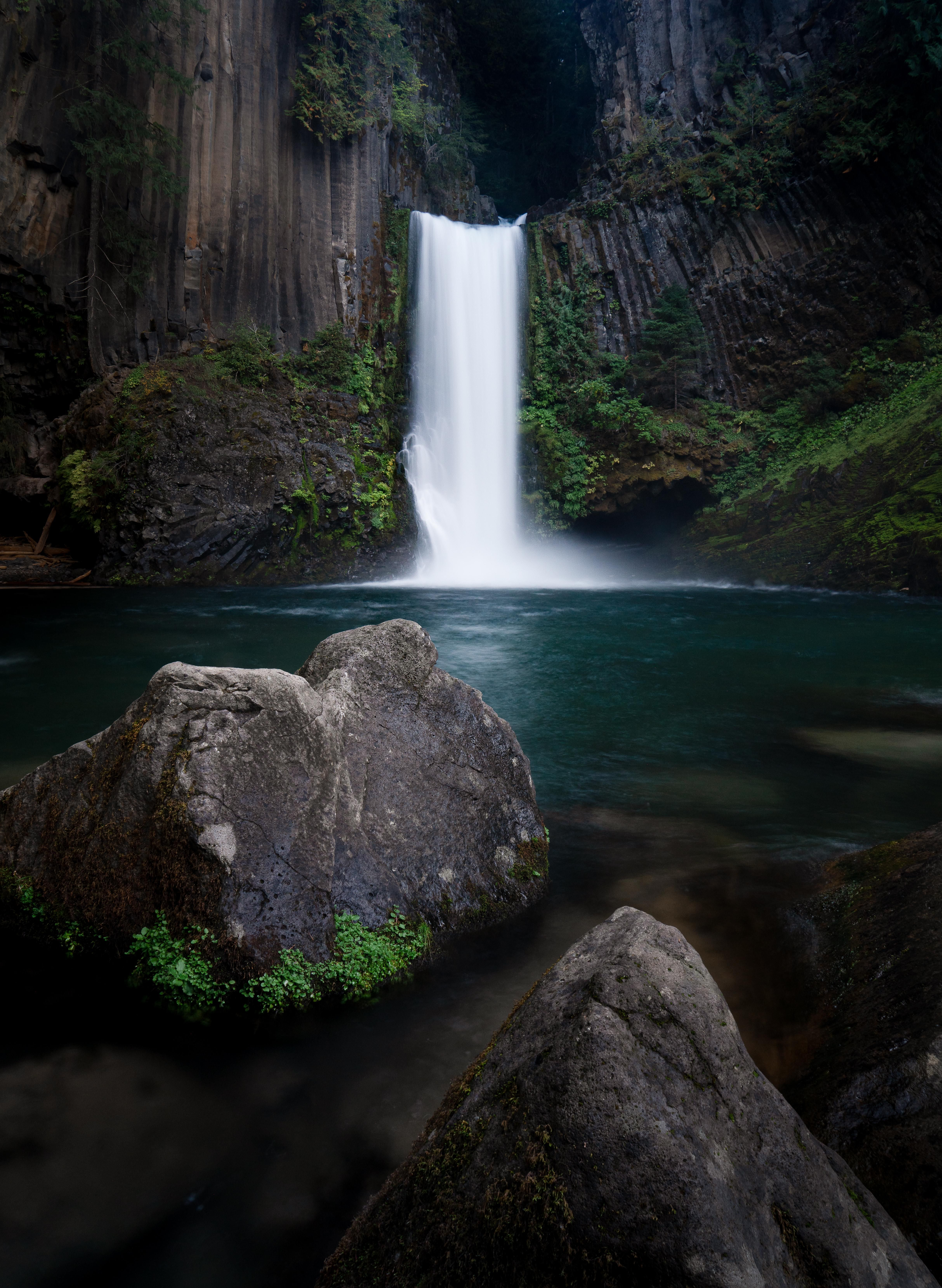 Itap Of A Dark Waterfall Photo Background Editor Wallpaper Photohd Photonew Photo Background Editor Photo Backgrounds Landscape Photographers