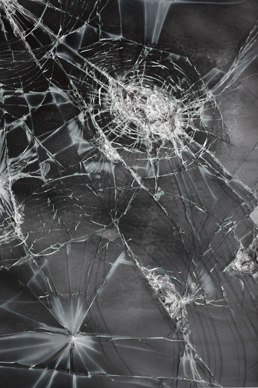 Broken Screen Wallpaper Hd For Iphone Iphone Wallpapers Broken Screen Wallpaper Screen Wallpaper Hd Broken Glass Wallpaper