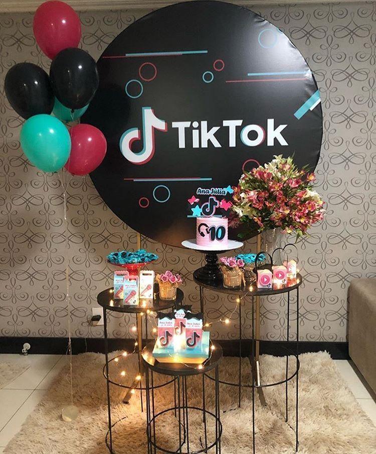 Por Gabriella Ferreira On Instagram Tema Tiktok Por Espalhefestas In 2020 Teenage Birthday Party Birthday Party For Teens Jasmine Birthday
