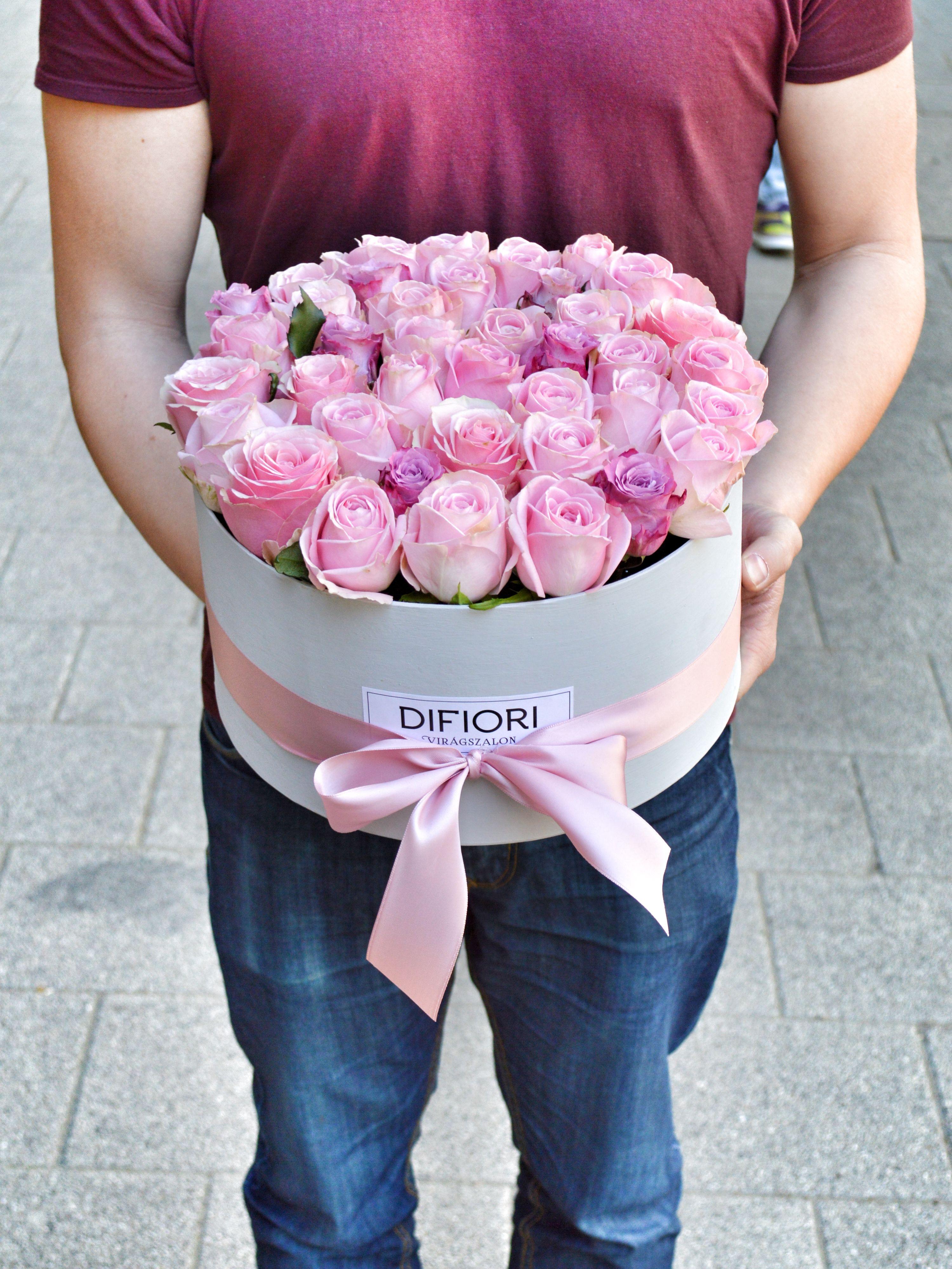 maison des fleurs roses in a box | rose, roses, flowers, bouquet