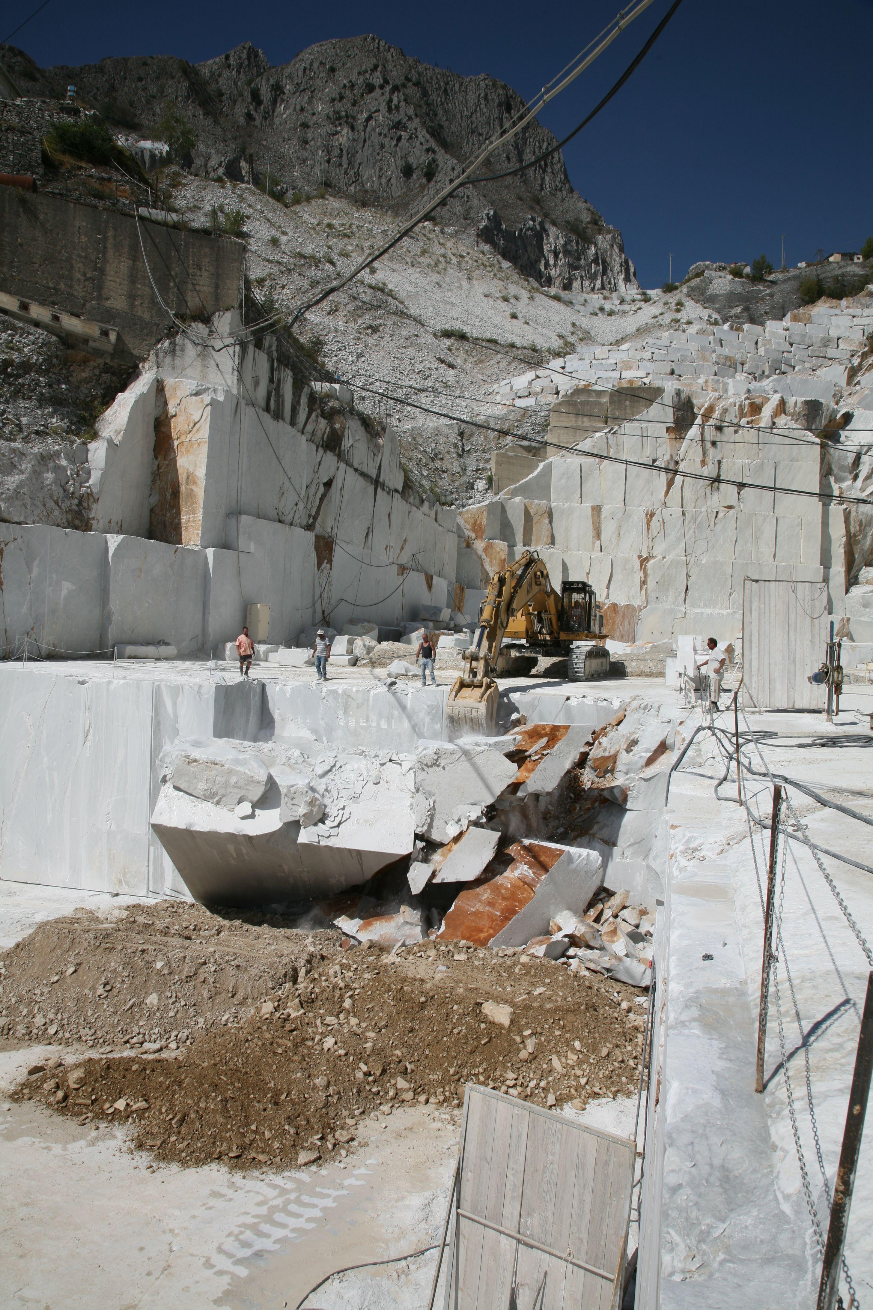 Carrara marble quarry | Amazing Carrara Quarry Photos in