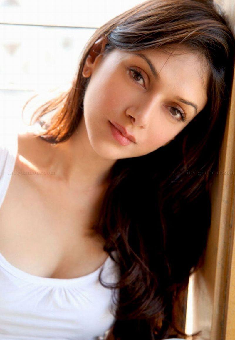 20+ bollywood actress aditi rao hydari hd wallpapers | bollywood