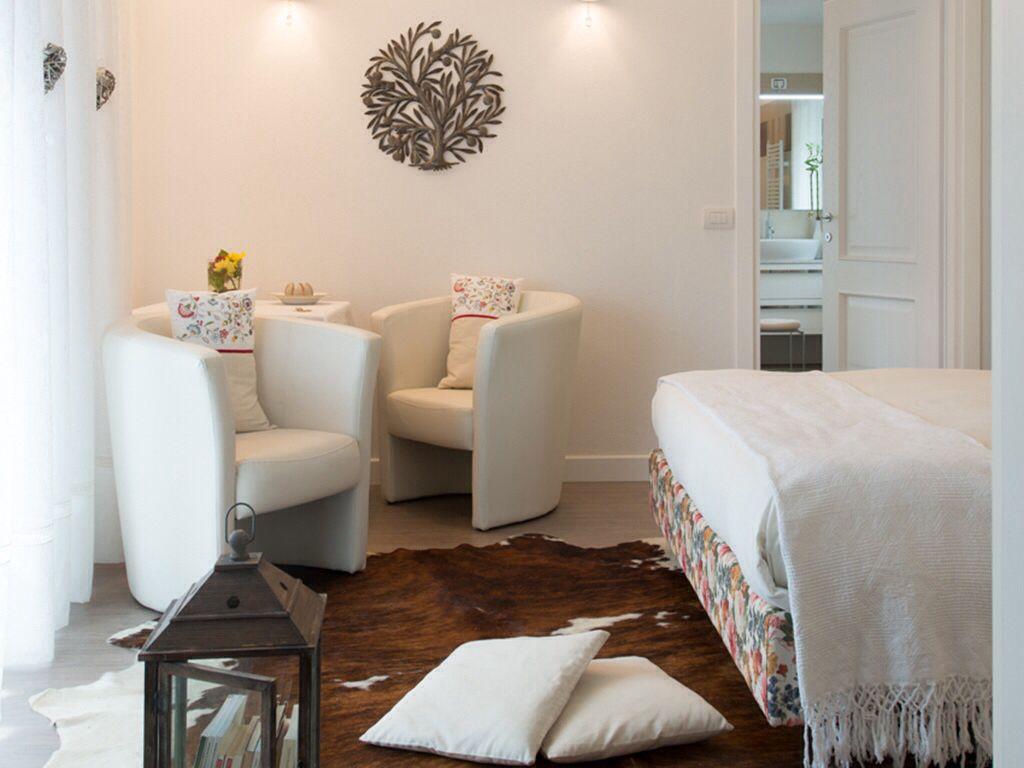 Tavoli Per Colazione A Letto : Camera matrimoniale denominata li de mame dalla mamma angolo