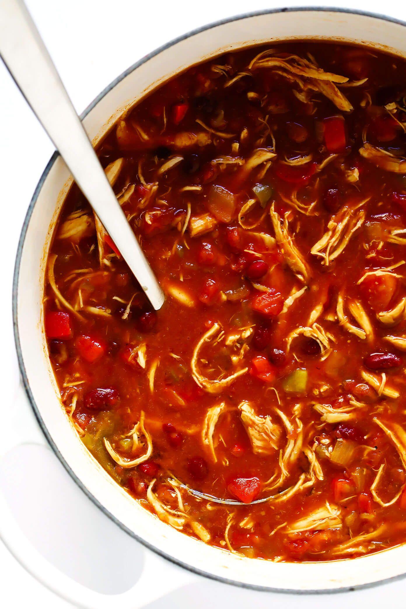Easy Chicken Chili Recipe In 2020 Chicken Chili Easy Chicken