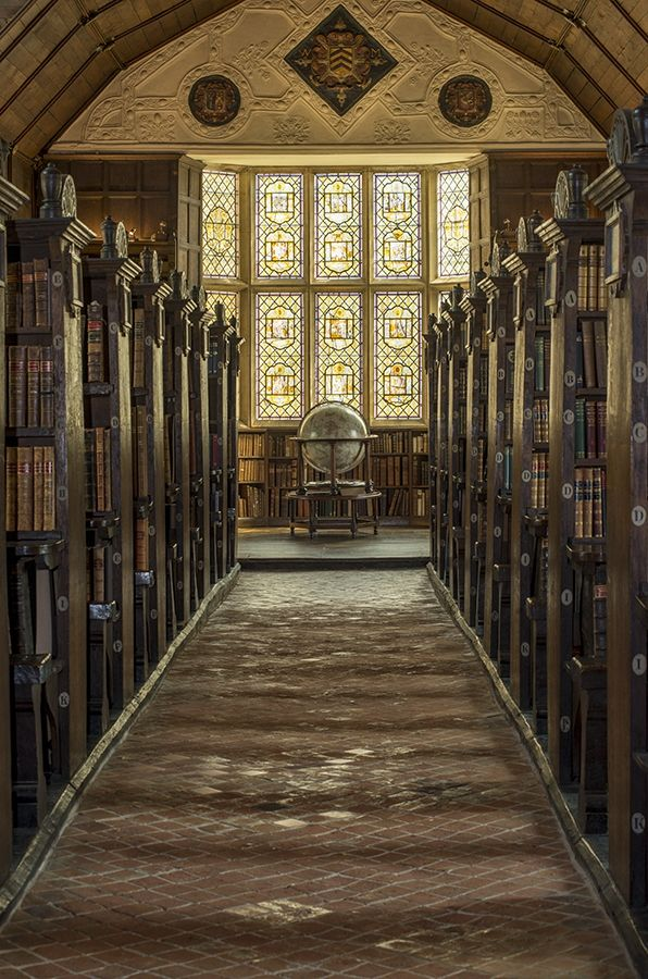 The Upper Library, the oldest part of the Merton College