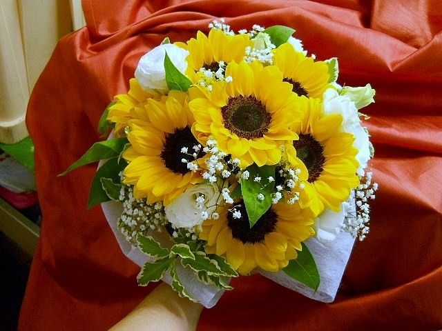 Idee Matrimonio Girasoli : Bouquet da sposa con girasoli idee per matrimonio