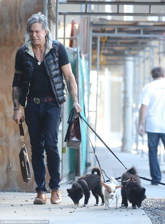 Mickey Rourke Cries Is Consoled By Girlfriend Anastassija Makarenko Mickey Rourke Mickey Vintage Movies Mother, father, siblings, wife and kids. mickey rourke cries is consoled by