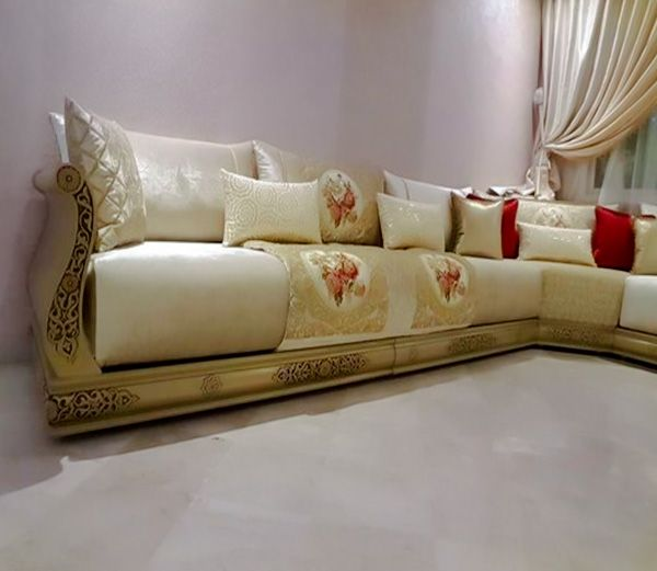 tr s beau salon marocain avec un tissu et banquette beige maroc pinterest salons salon. Black Bedroom Furniture Sets. Home Design Ideas
