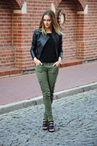 Feminine Ways to Wear Cargo Pants   Olive pants outfit
