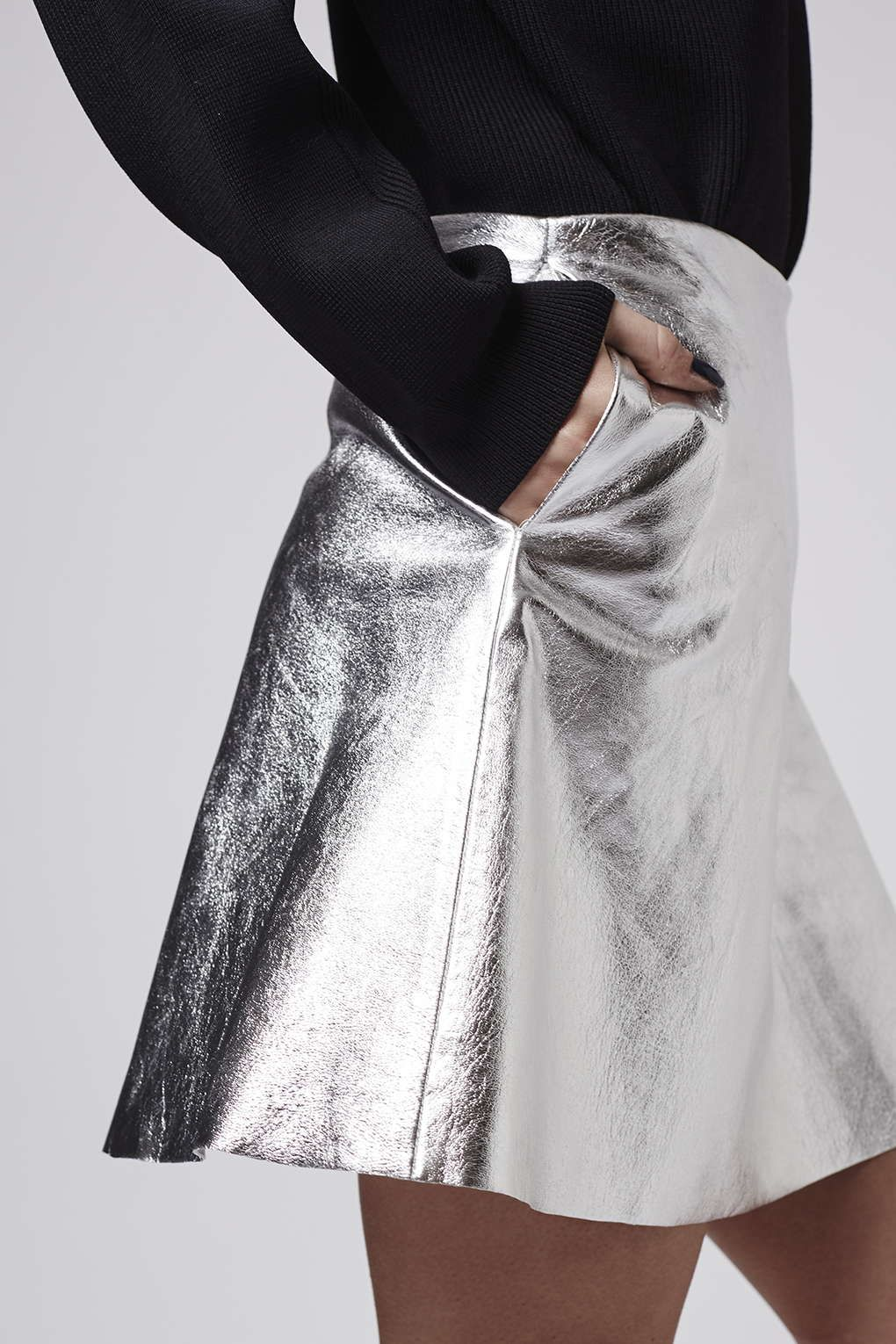 lovely silver leather skirt outfit size