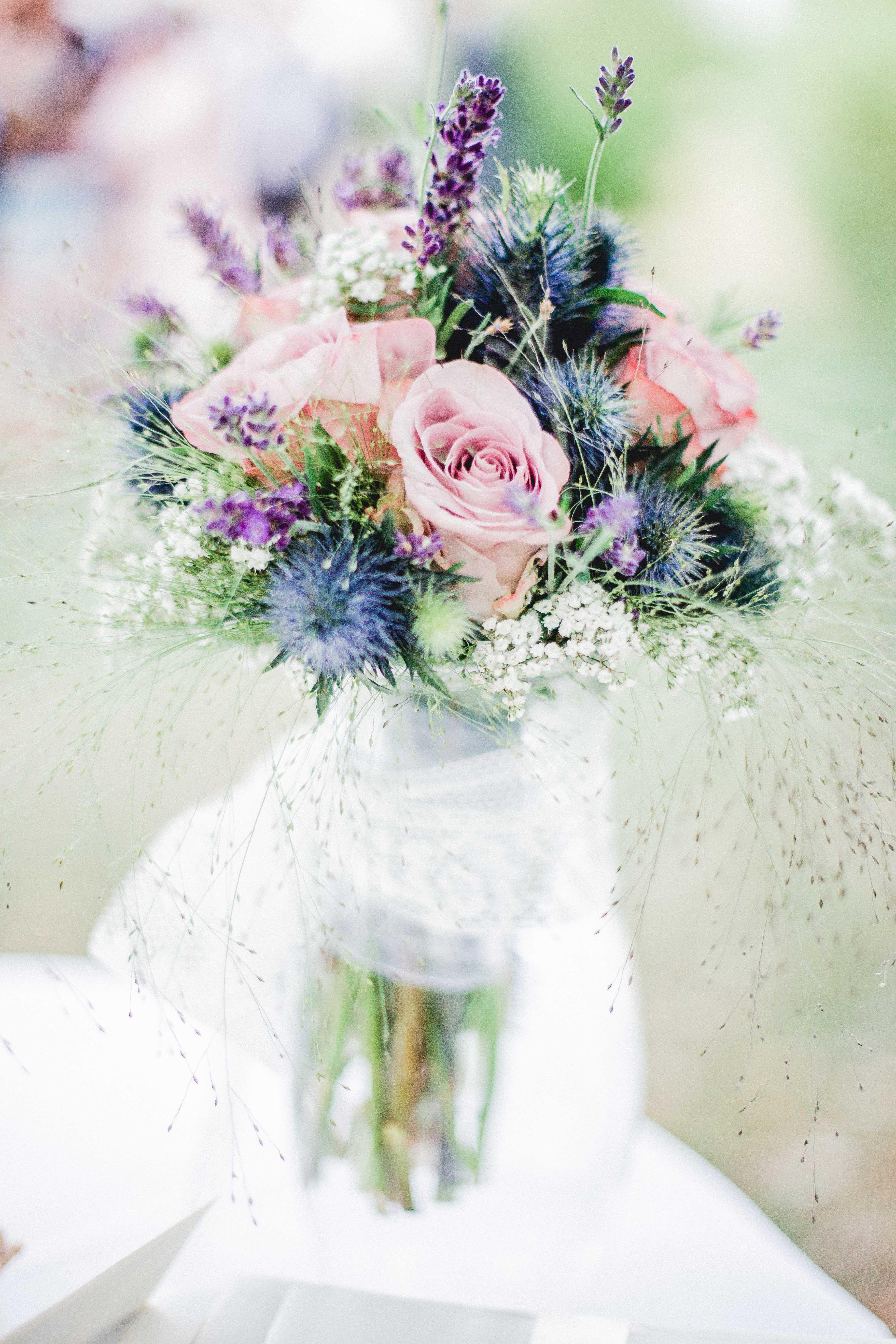 Brautstrau mit Rosen Lavendel Schleierkraut