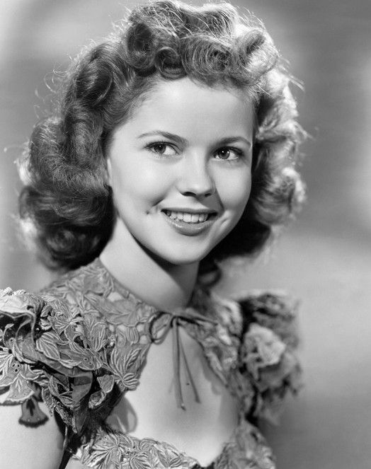 """Shirley Temple in """"I'll Be Seeing You"""" (1944)"""