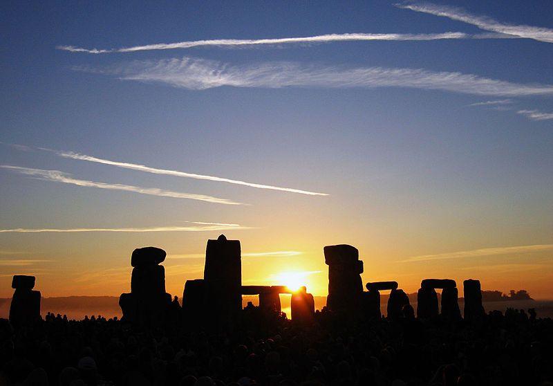 Summer Solstice Sunrise over Stonehenge 2005 - Solstice — Wikipédia