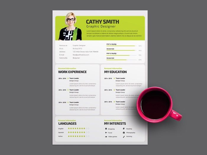 Simple Resume Template For Designer  HttpSmashfreakzCom