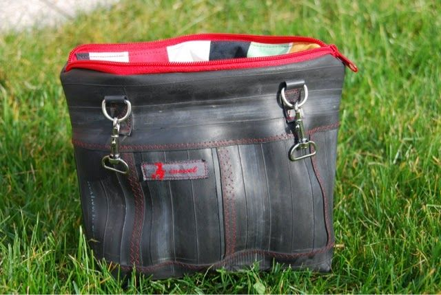 tasche aus fahrradschlauch bag made of bicycle tube upcycling upcyclingapril2014. Black Bedroom Furniture Sets. Home Design Ideas