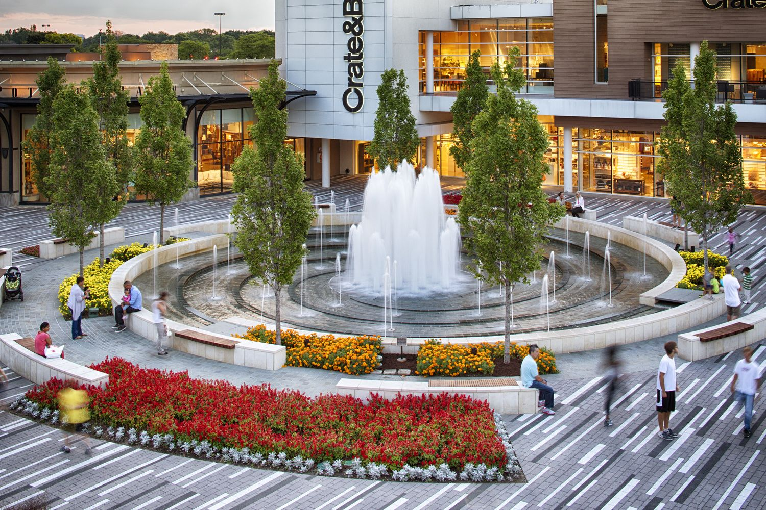 Oakbrook Mall Hours >> Oakbrook Center A Spectacular Outdoor Mall Located In Oak Brook