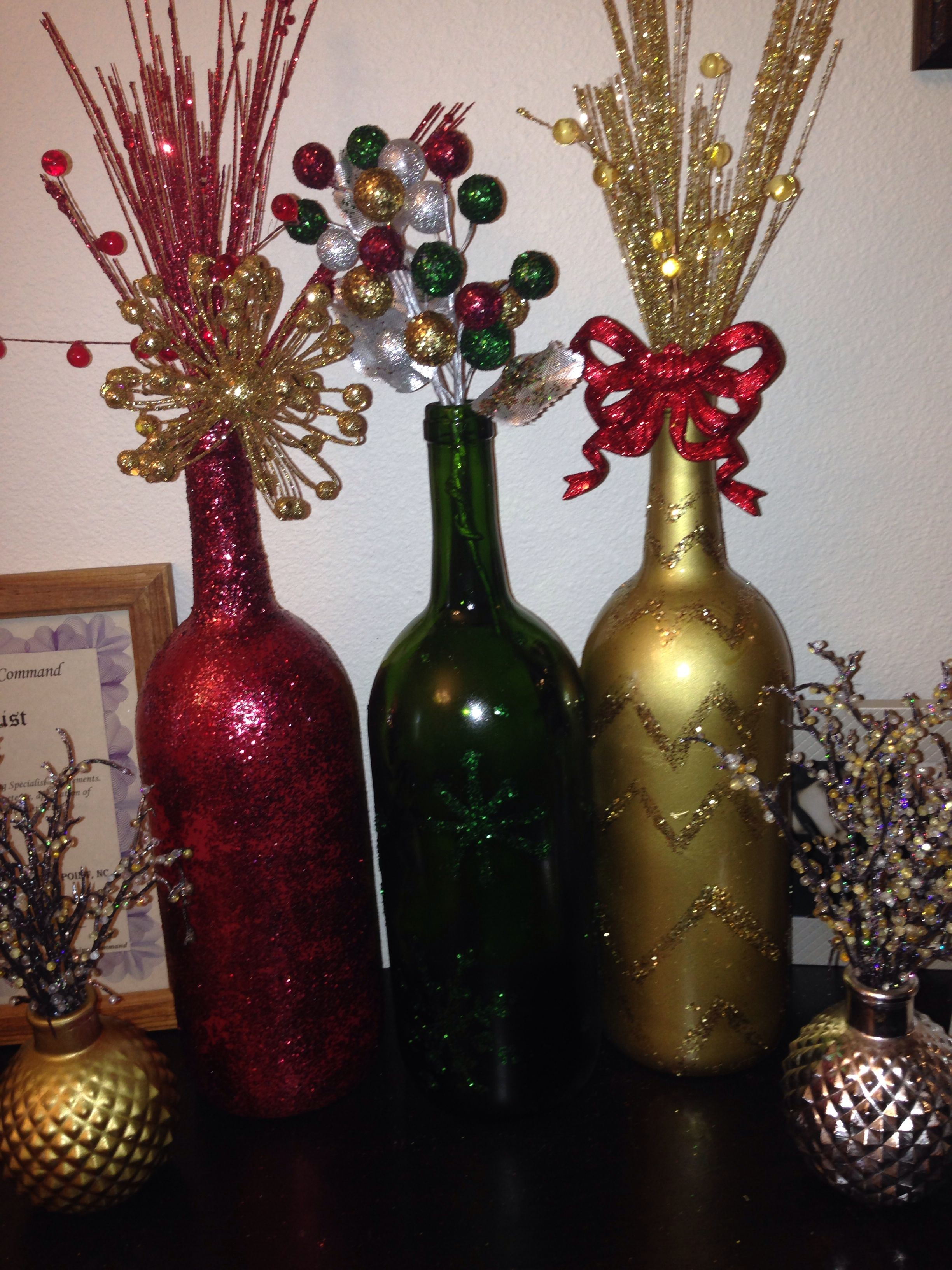 Repurpose wine bottles into christmas vase decor maybe easy on repurpose wine bottles into christmas vase decor maybe easy on the color and more rustic reviewsmspy