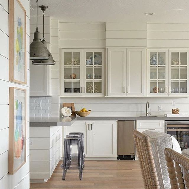 Gorgeous Shiplap Design Ideas For Your Home: Shiplap Perfection. Beautiful Butler's Pantry Designed By