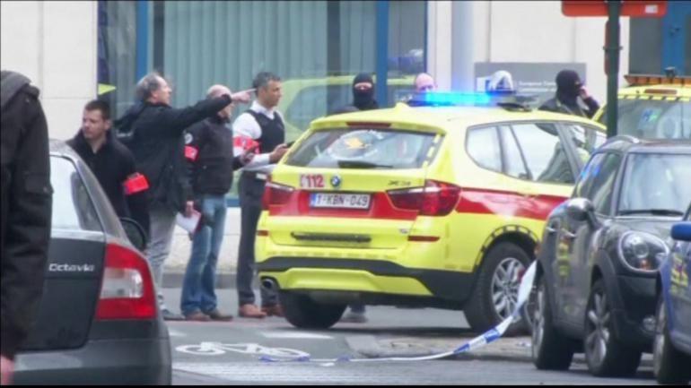 capture d'écran La police et les secours se sont rendus sur place à la station de métro Maelbeek au centre de Bruxelles.  capture d'écran