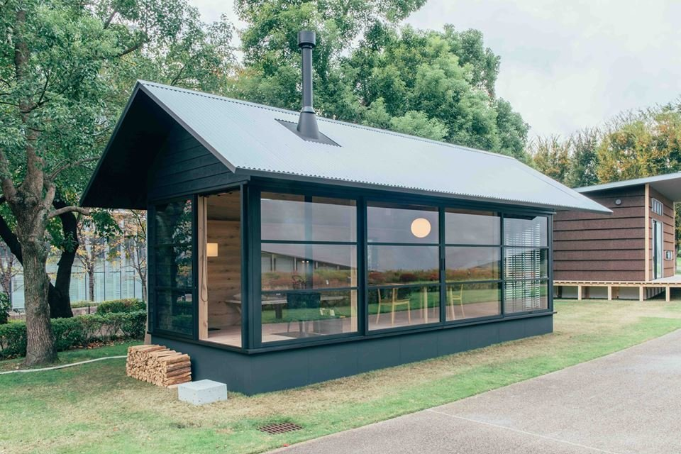 Photo 7 Of 9 In Muji Hut Launches With 3 New Tiny Prefab Homes By Muji Hut Prefabricated Architecture Prefab Cabins