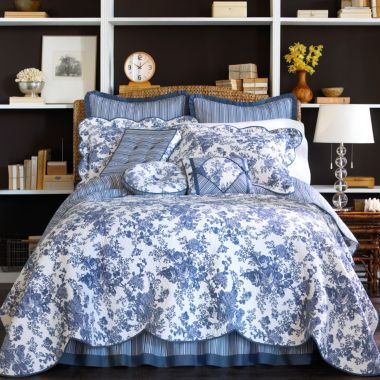 Blue White Toile Garden Quilt Aristocratic French Feel