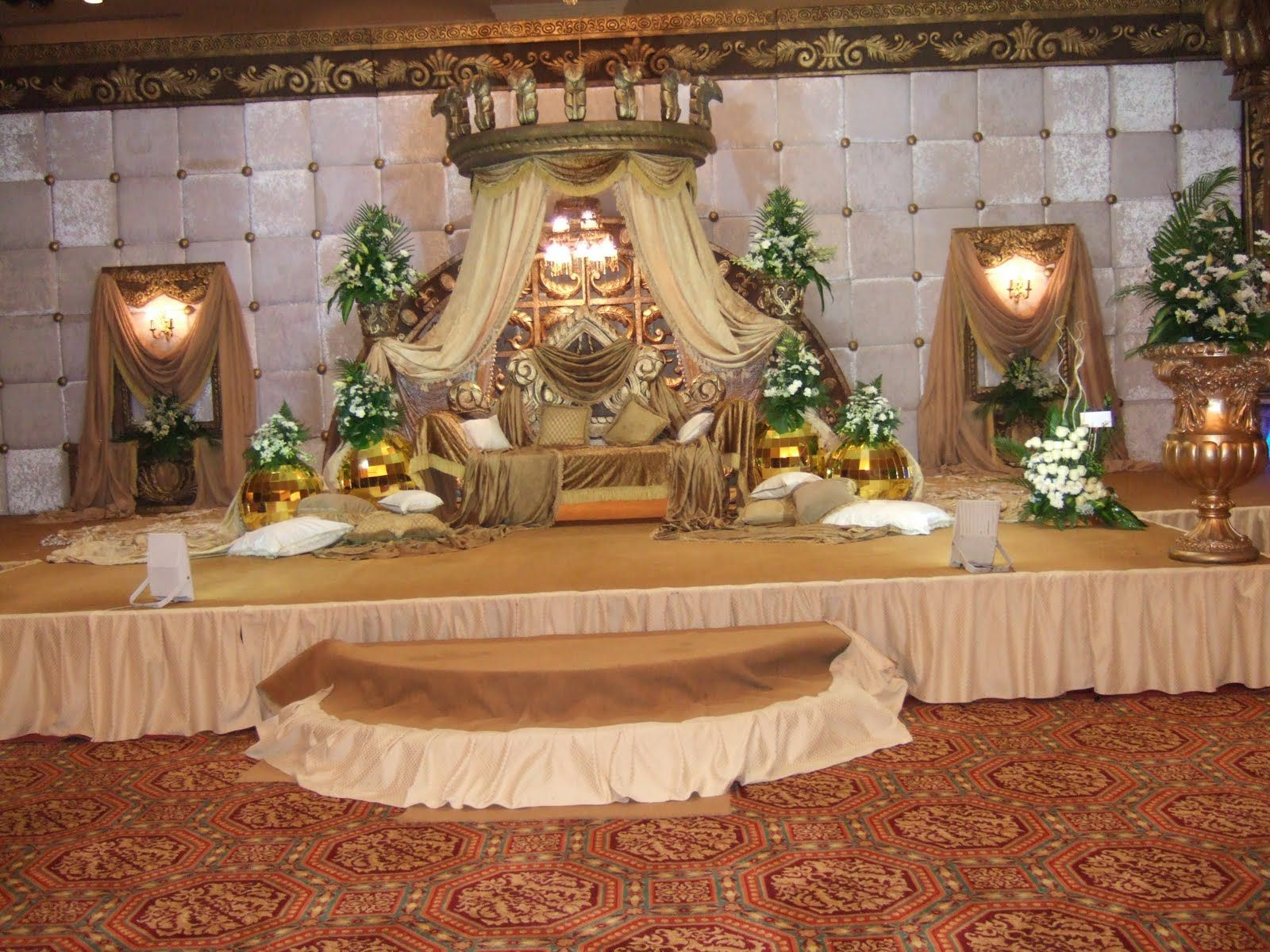Earthy bright and rich flowers can be used for decorating the stage wedding hall decorations tips junglespirit