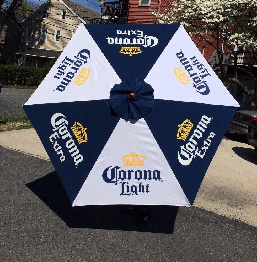 Beautiful Corona Extra Light Beer Umbrella Patio Table Tiki Bar Man Cave Restaurant  Pub 7u0027 #