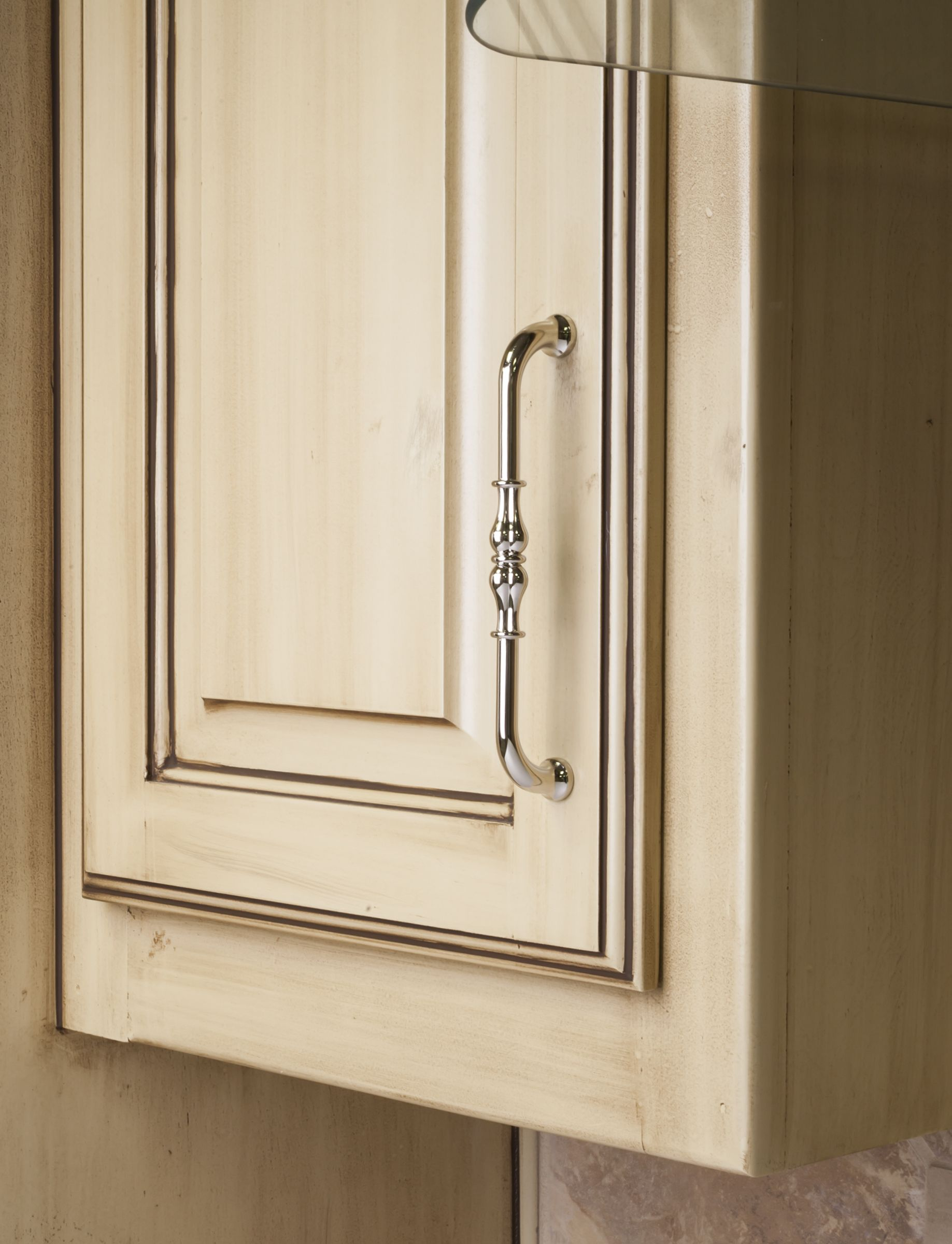 Bella cabinet pull from Jeffrey Alexander by Hardware Resources